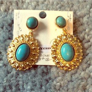 Boho antique turquoise & gold earrings NWT
